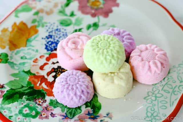 Flower Bath Bombs on www.girllovesglam.com