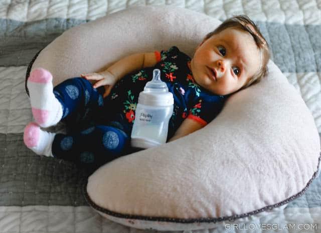 Bottle Feeding Baby on www.girllovesglam.com