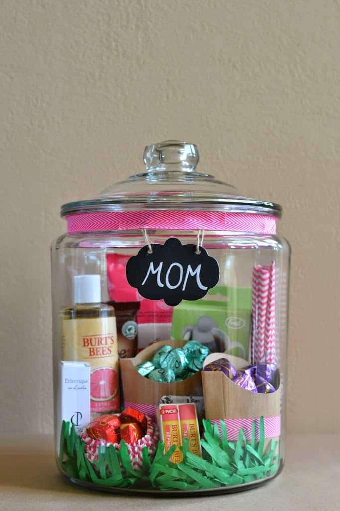 Mother's Day Gift In a Jar Gift Idea