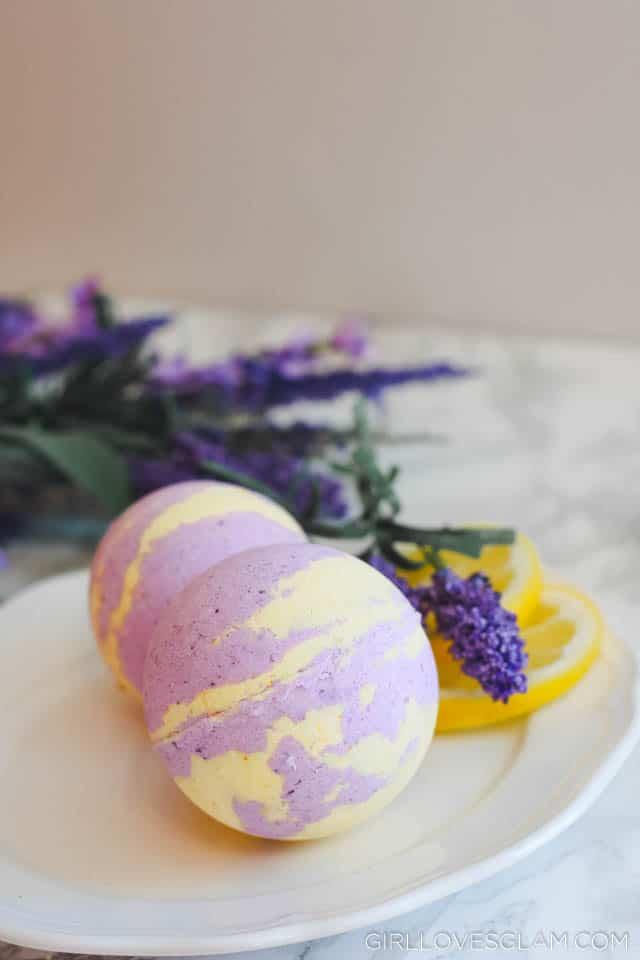 How to make lavender and lemon bath bombs on www.girllovesglam.com
