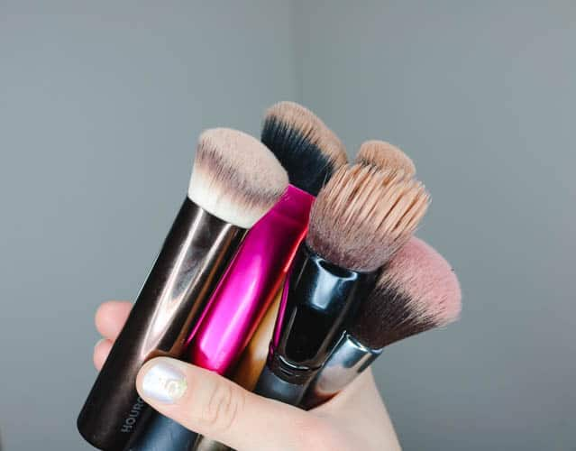 Makeup Brush Cleaning Before on www.girllovesglam.com