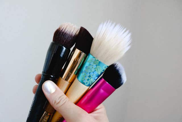 How to Clean Makeup Brushes on www.girllovesglam.com