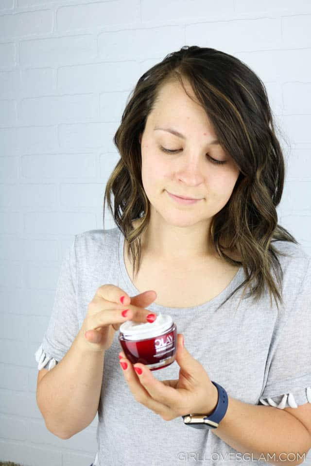 Olay Regenerist Micro-Sculpting Cream Review on www.girllovesglam.com