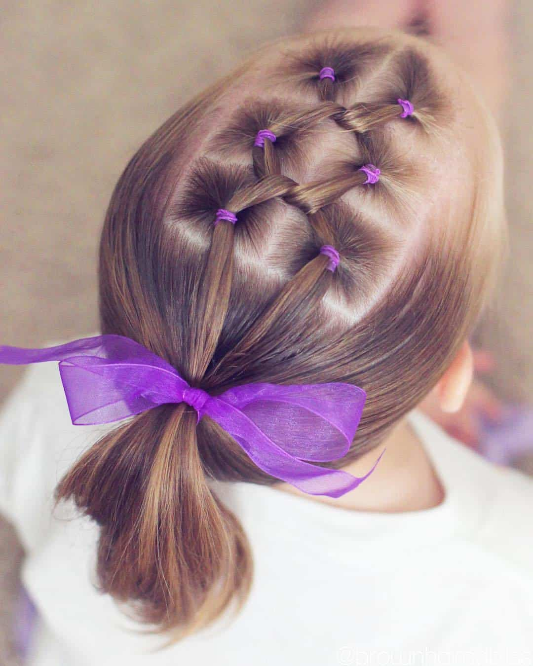 Crossed Elastic Ponytail