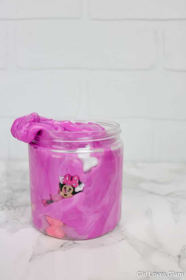 How to make Minnie Mouse slime on www.girllovesglam.com