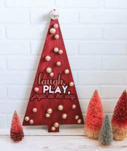 Christmas Decor Tutorial on www.girllovesglam.com