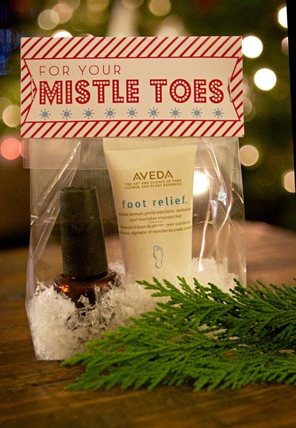 Mistletoes Bag Topper Print
