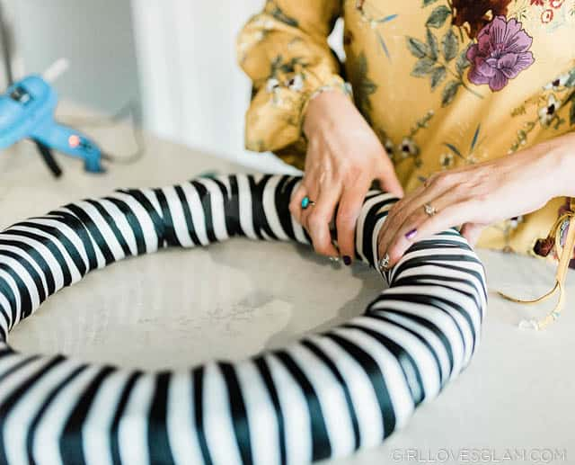 Making a Striped Wreath