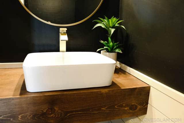 Black and Gold Bathroom
