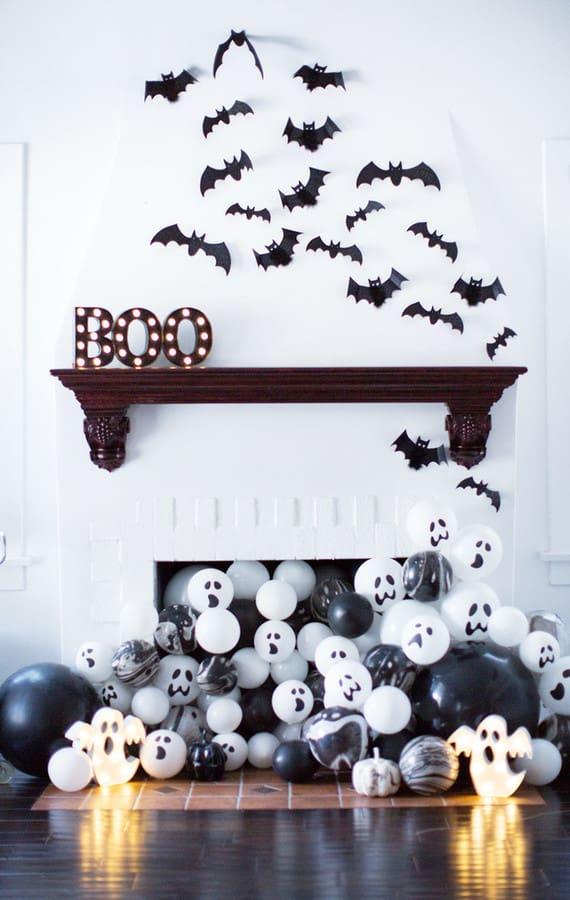 Black and White Halloween Balloon Mantel