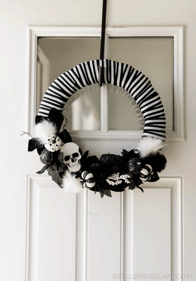 Black and White Halloween Wreath Tutorial