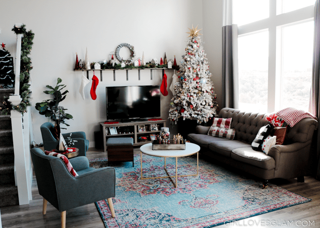 Living Room Christmas Decor, without a fireplace